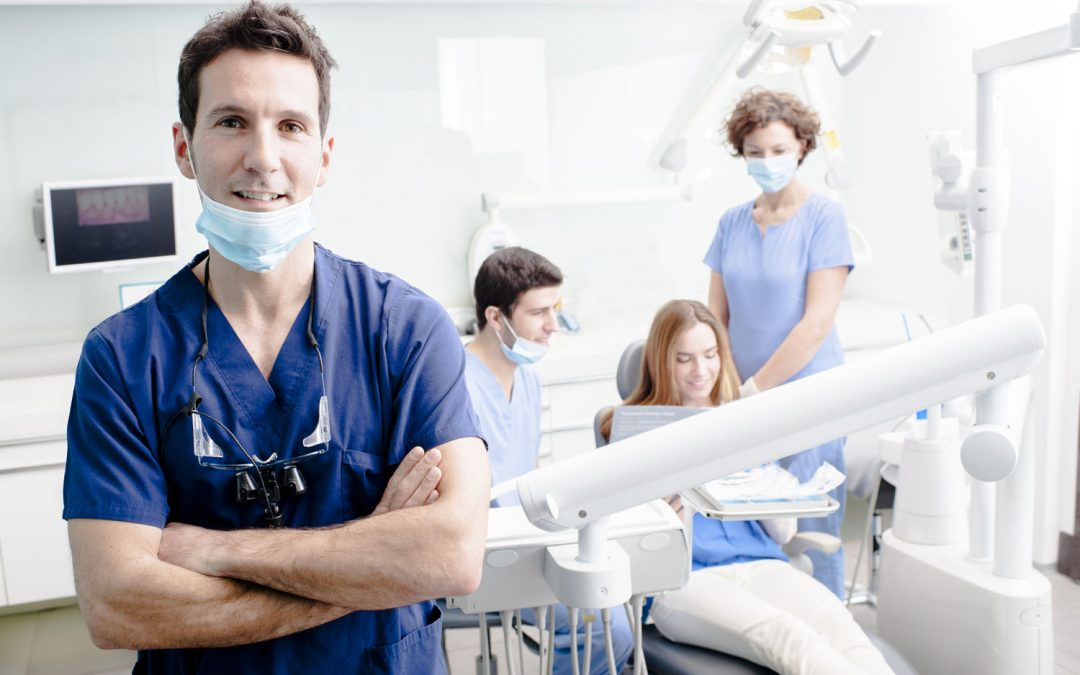 Here Are 6 Signs That You Need To Visit A Dentist